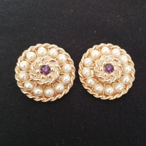 Gold tone and imitation pearl clip on earrings